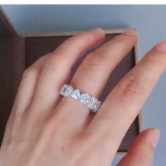 🎉Host Pick!🎉White Sapphire Eternity Band Ring